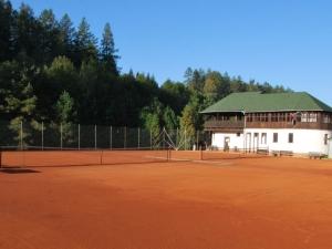Tenisové kurty, Letovice