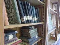 Čítárna knihovny - Nerudův regál