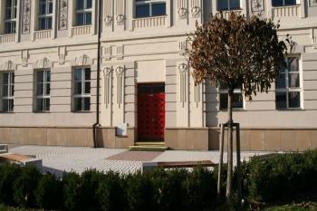 Knihovna Letovice - vstup do budovy